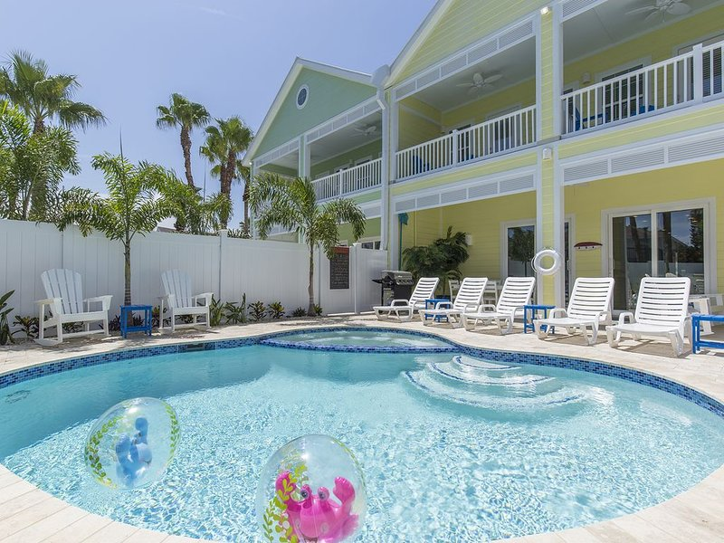 Brand New! Private pool and hot tub! 1/2 block from beach!, vacation rental in Port Isabel