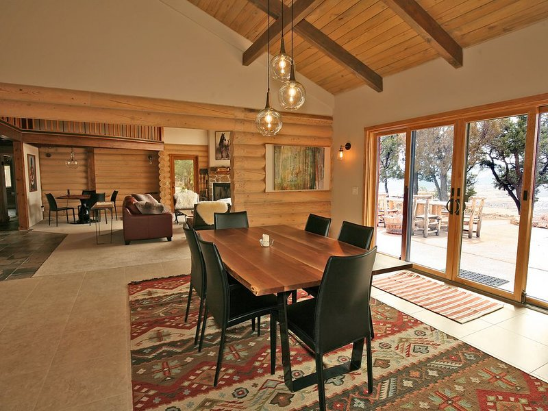 Recently Remodeled Luxury Home - Spectacular Views - Access to Trails, location de vacances à Ridgway