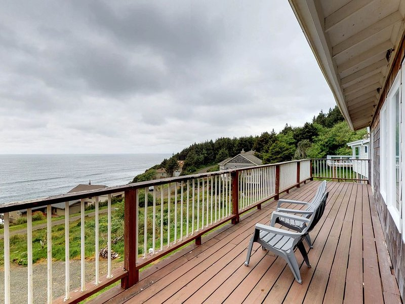Ocean-view home with private sauna near the beach, natural beauty, and more, vacation rental in Cloverdale