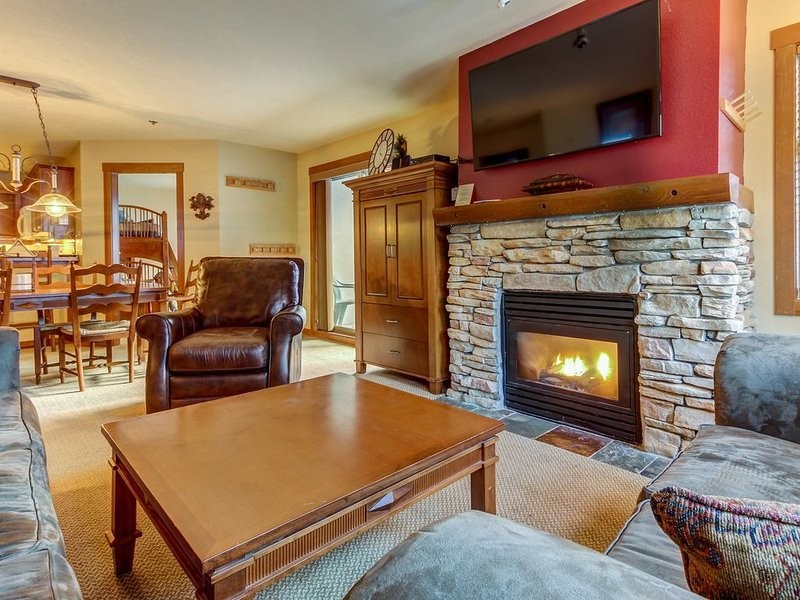 Cozy condo w/ easy slope access near dining & shared pools/hot tubs!, holiday rental in Solitude