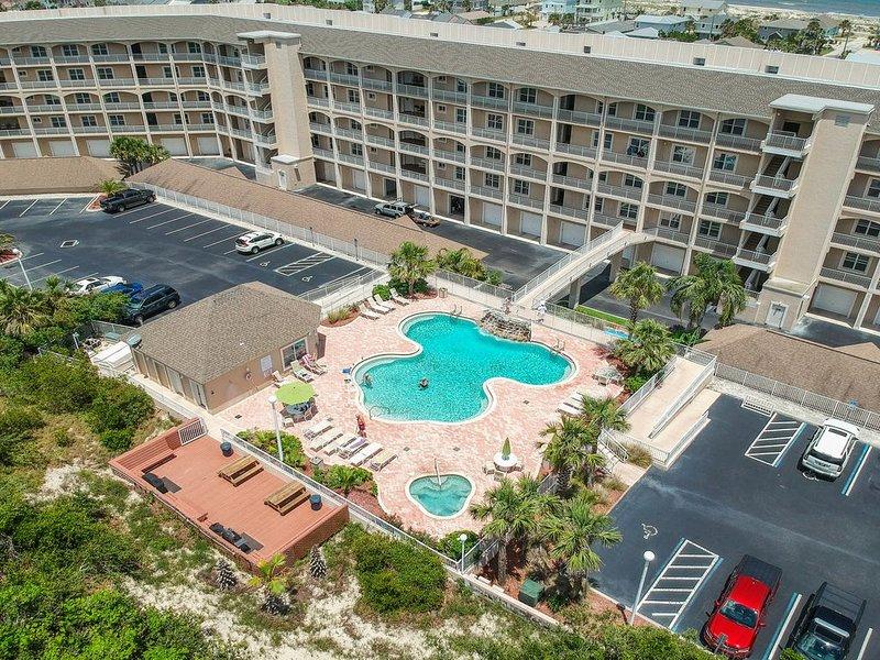 Fernandina Island getaway w/ furnished balcony - walk to the beach, vacation rental in St. Marys