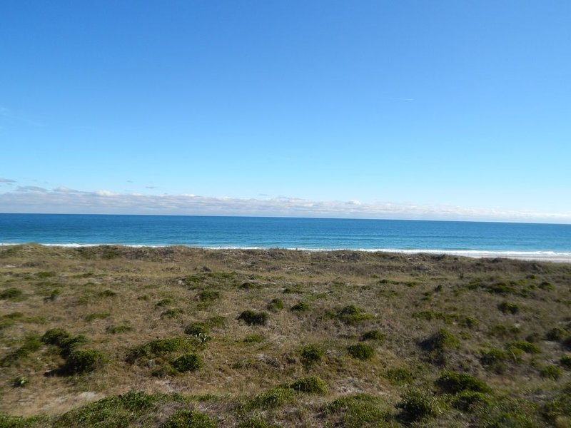 Bright and Beachy!  Ocean Front Condo at Dune Ridge, holiday rental in Ogden