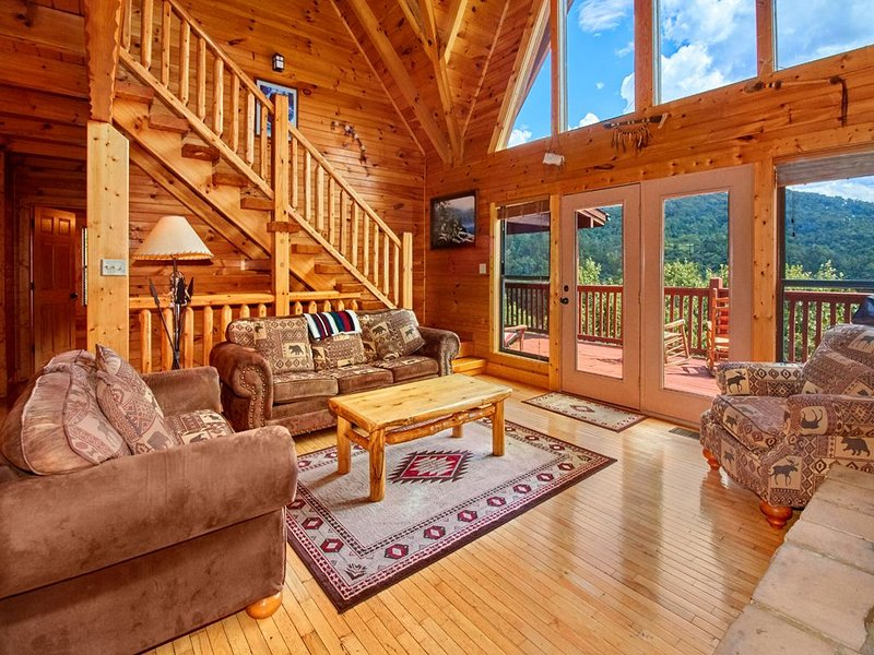A Majestic View III, 3 Bedrooms, Sleeps 12, Hot Tub, Air Hockey, Pool Table, vacation rental in Townsend