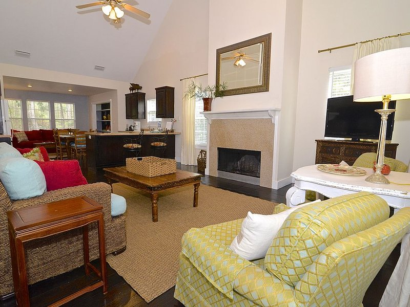 Scenic Area, Pet Friendly, Close To Restaurants, Shopping And A Great Spa****, casa vacanza a Fairhope