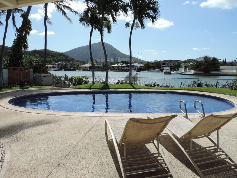Koko Head Volcano and Marina Views From Your Private Pool