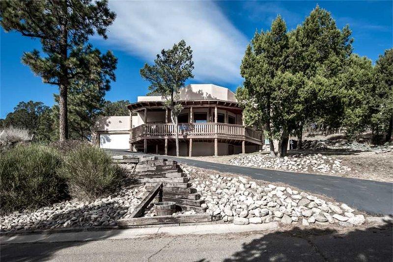 White Mountain Paradise, 4 Bedroom, 3 Bath, Pet Friendly, Sleeps 8, location de vacances à Lincoln
