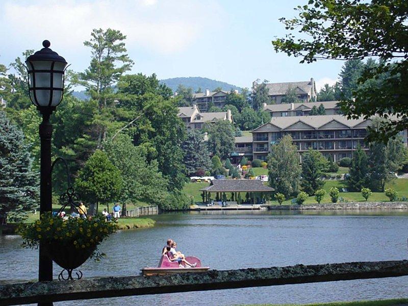 Berkshires At Chetola - 3BR/3BA-Chetola Resort Priveleges -Walk To Blowing Rock, alquiler vacacional en Blowing Rock