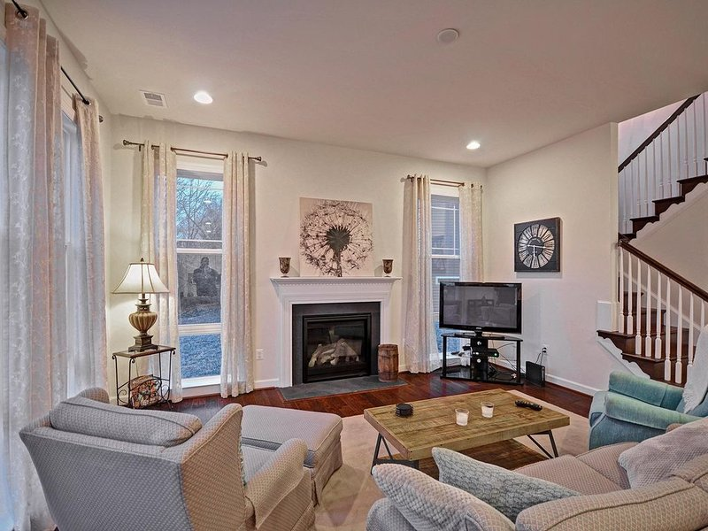 Fabulous 3 bedroom 2.5 bath home - With Beach Shuttle!, holiday rental in Bethany Beach