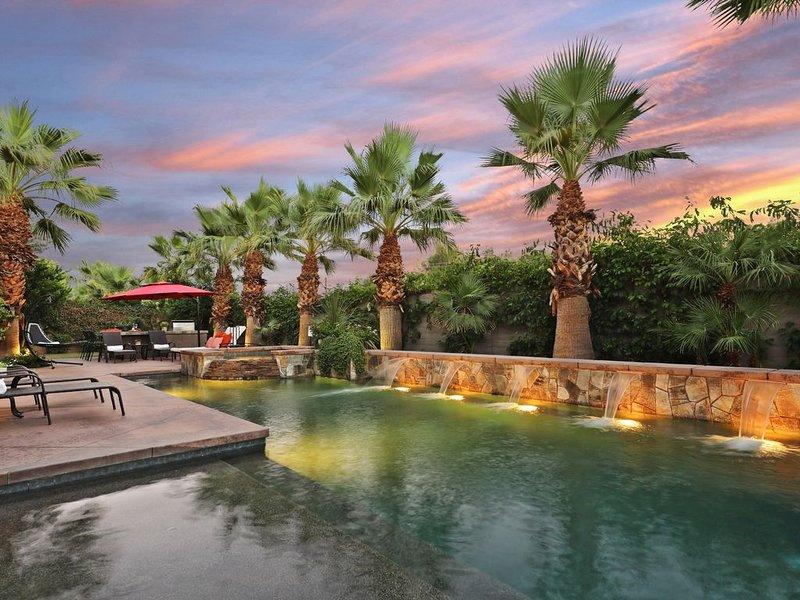 Paramount - Relax & Entertain w/ Resort Amenities - Pool/Spa & Full Game Room!, alquiler de vacaciones en Indio