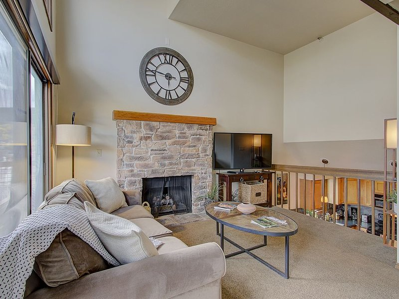 Gold Coast, Ski-In/Ski-Out w/ SAUNA, and Steps to Main Street, holiday rental in Park City