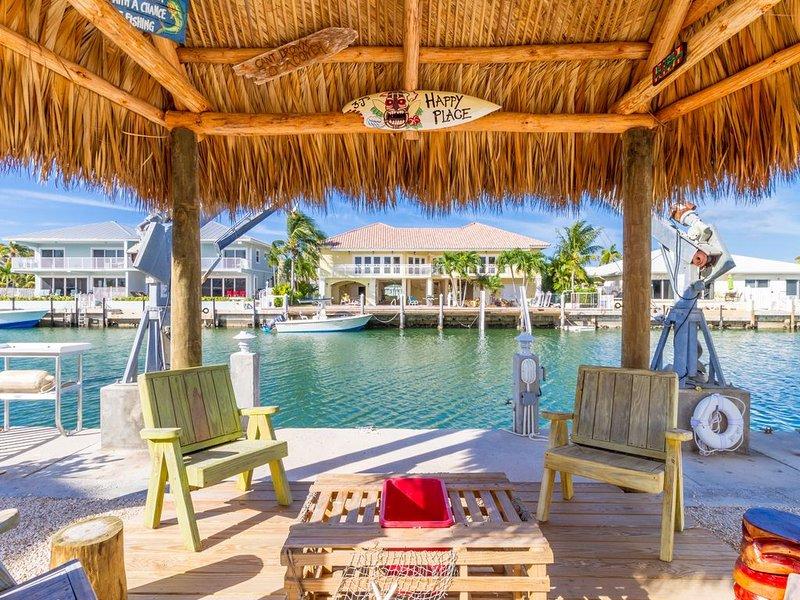 Beachy, updated 2 bedroom in KCB with Tiki, aluguéis de temporada em Key Colony Beach