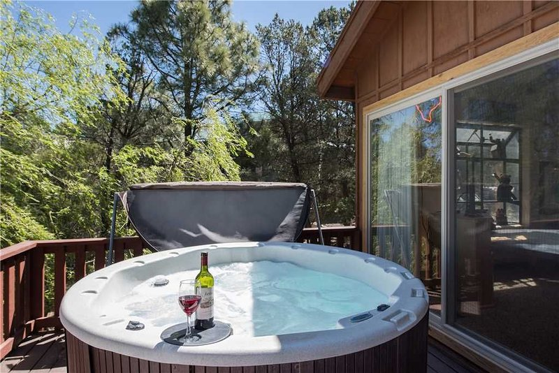 Cowboys, Indians and Outlaws, 3 Bedrooms, Game Room, Sleeps 8, alquiler de vacaciones en Ruidoso