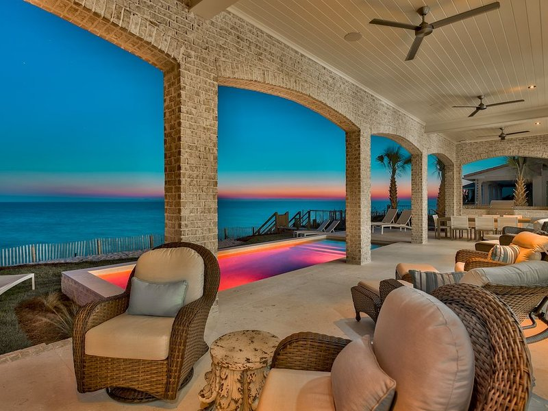 Private Beach Access! 408 Blue Mountain Road-Gulf Front-By Royal Destinations, casa vacanza a Blue Mountain Beach