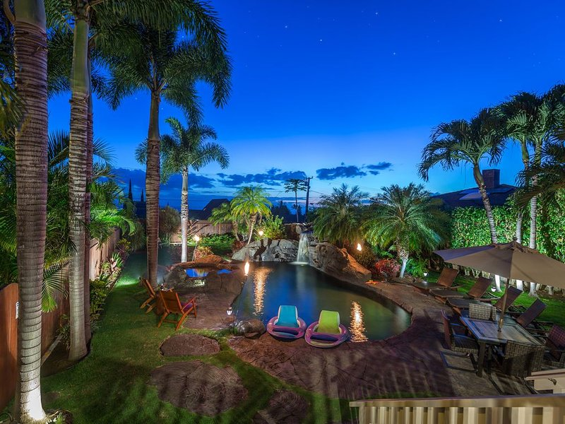 PRIVATE HOME OASIS-3 BEDROOM-OCEAN VIEWS-POOL-HOT TUB-METICULOUS CLEANING, vacation rental in Haleakala National Park