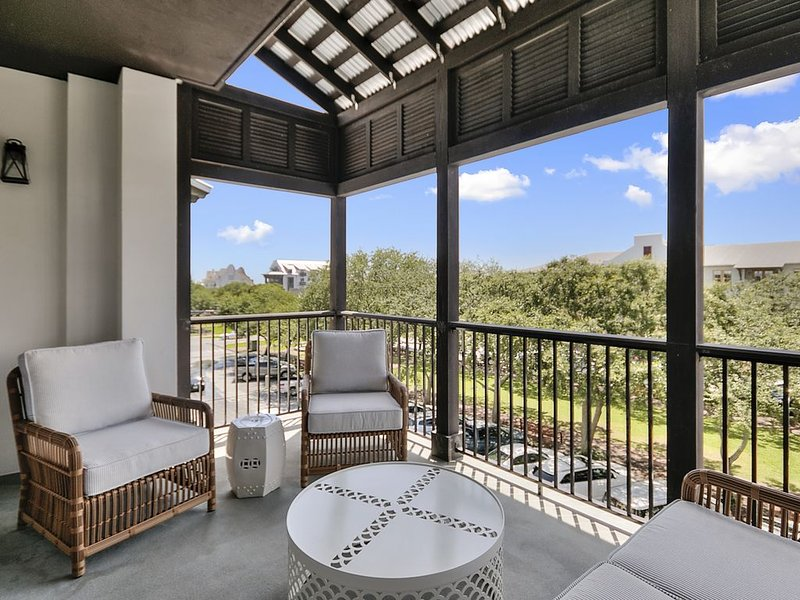 Located in the heart of Rosemary Beach! Walk to the Beach!, holiday rental in Rosemary Beach