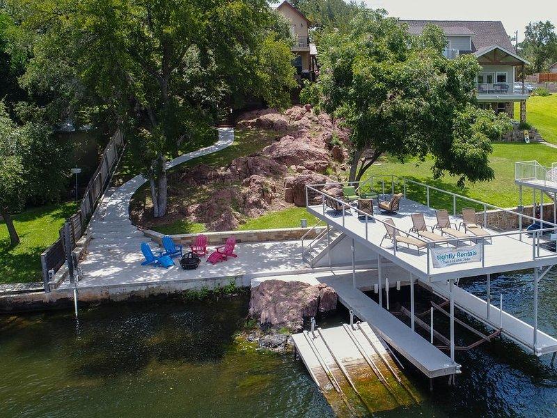 Lakefront home w/ entertainment, dock & lake views - dogs OK!, vacation rental in Buchanan Dam