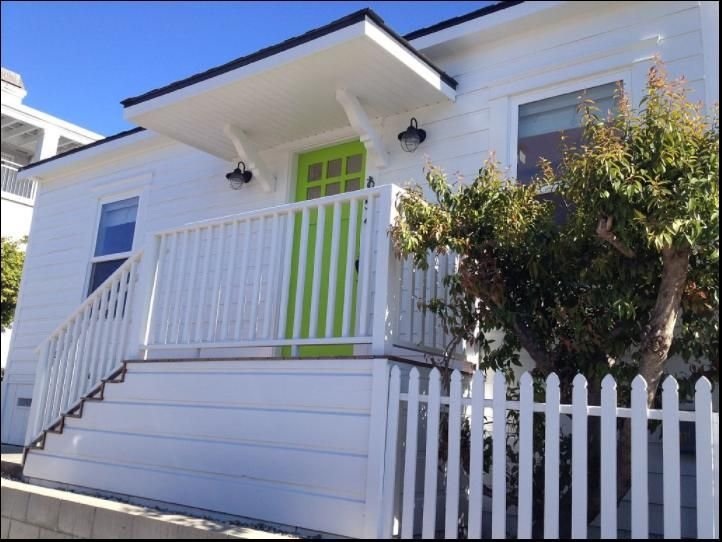 COTTAGE BY THE SEA ~ 1900's beach cottage 100 ft from beach, location de vacances à Avila Beach