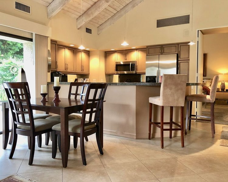 A Greenday Property: SOPHISTICATED & CHIC: Well-Appointed 1 Bedroom Condo, Priva, alquiler de vacaciones en Rancho Mirage