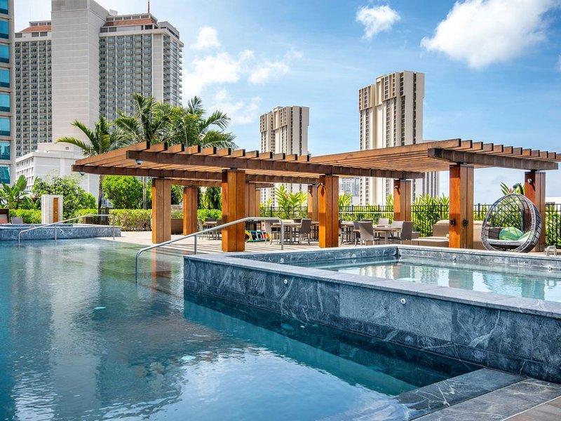 Luxurious two bedrooms with panoramic ocean view corner unit in ONE Ala Moana, alquiler de vacaciones en Aiea
