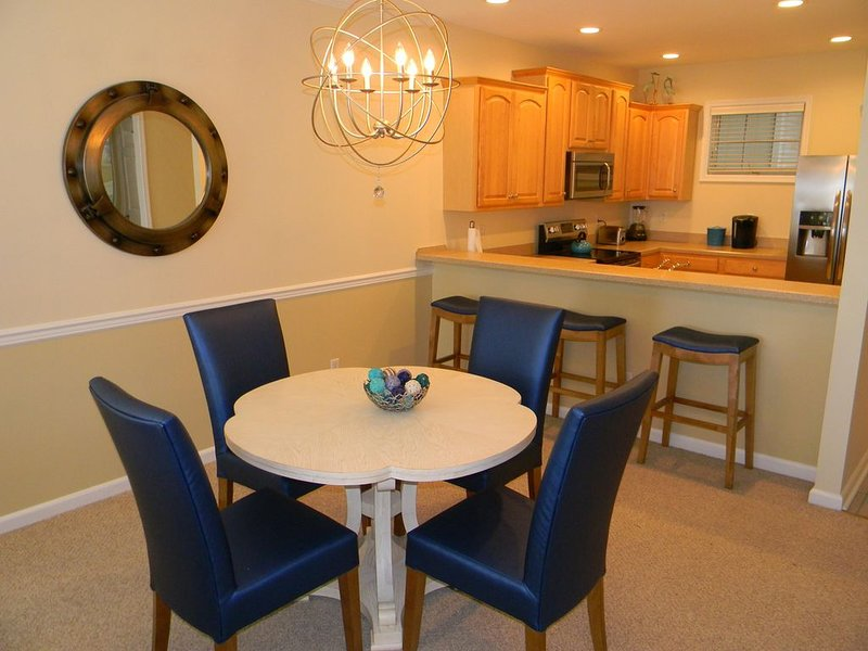 Elegant 2 Bedroom Condo in Private Gated Community, location de vacances à Rehoboth Beach