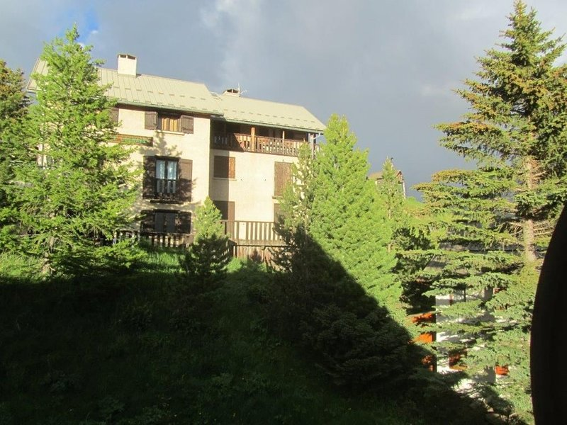 MARANATHA Chalet de Charme  10 pers Véranda +Terrasse Plein SUD -magnifique Vue, holiday rental in Molines-en-Queyras