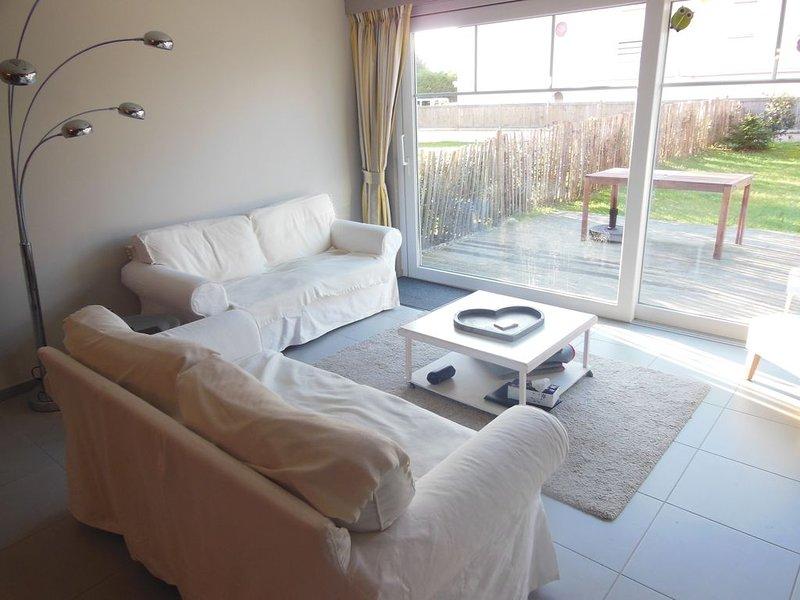 Les Becots, villa familiale proche plage avec jardin, holiday rental in Condette