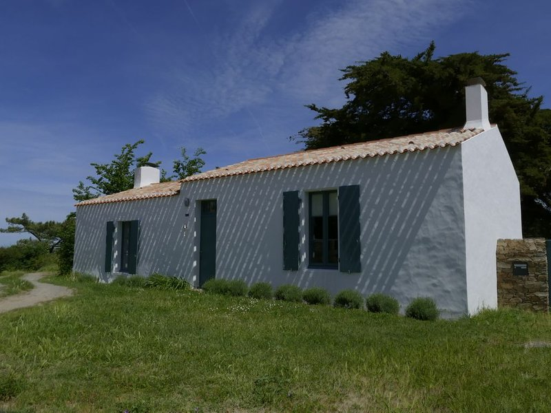 Maison traditionnelle de l'Ile d'yeu, holiday rental in Ile d'Yeu