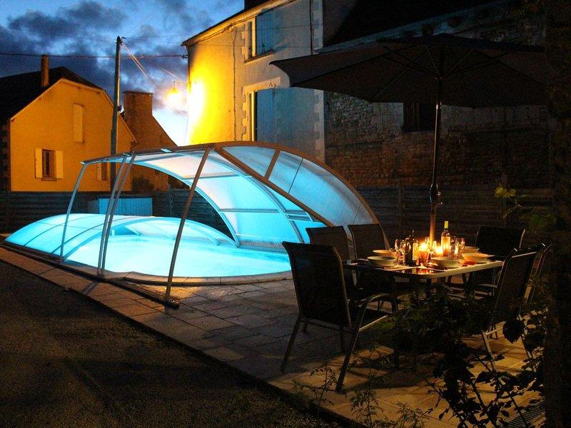 Gîte agréable, très bien équipé avec piscine privée. Accueil chaleureux., holiday rental in Chartrier-Ferriere