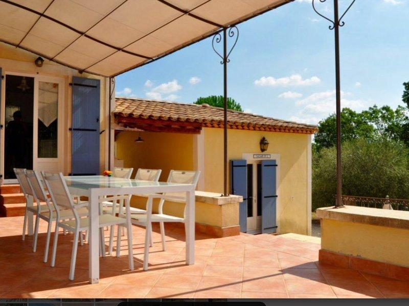 Secured Pool & Villa rental in the best village of Provence : Cotignac, location de vacances à Cotignac