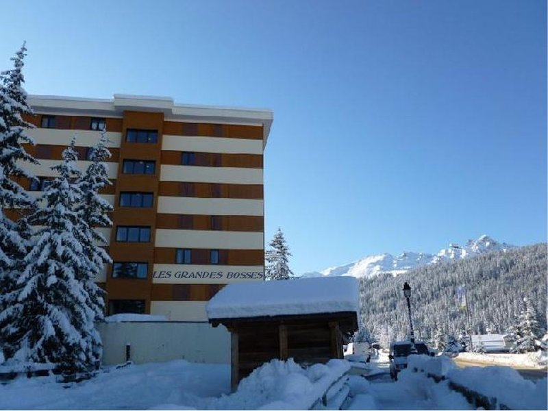 COURCHEVEL 1650, à 100 mètre de la télécabine, appartement avec parking, Ferienwohnung in Courchevel