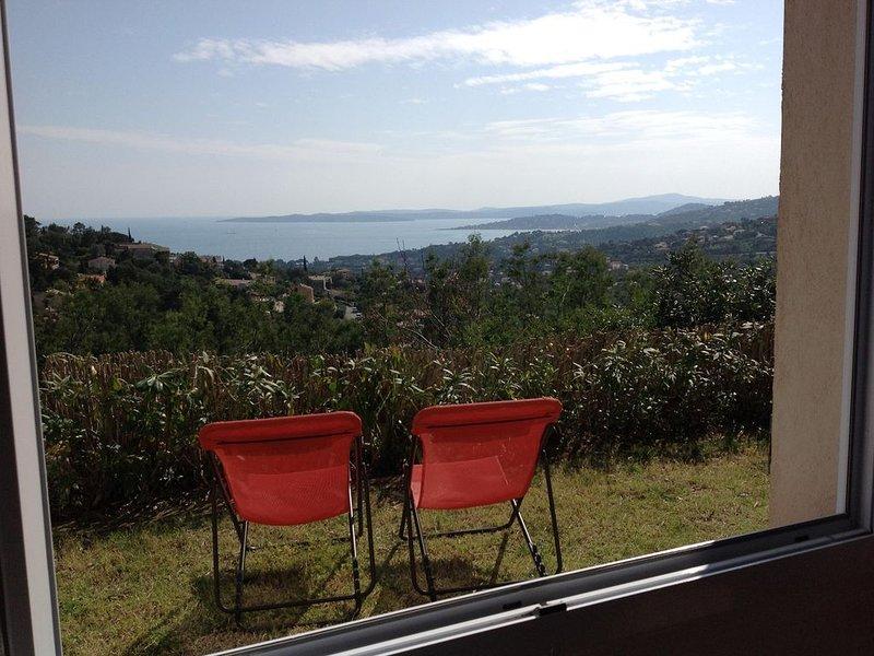 Rez de Jardin climatisé Vue Mer sur le Golfe de St Tropez  Détente et Soleil, holiday rental in Les Issambres