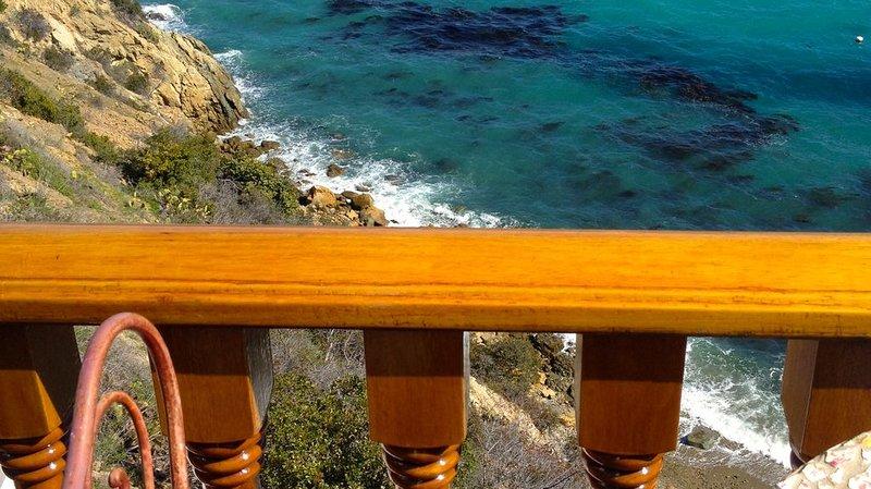 Ocean Front Villa Hamilton Cove, vacation rental in Avalon