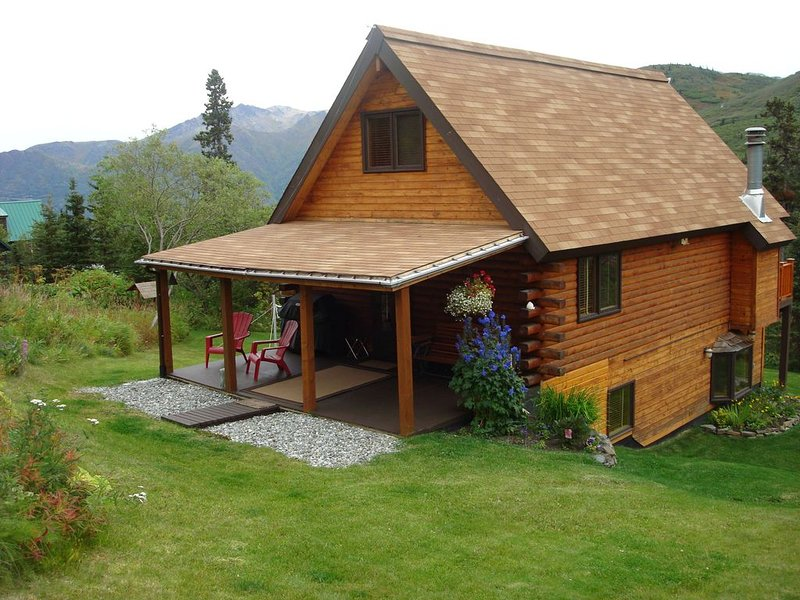 Log Cabin Chalet/Spectacular Mtn Scenery 3BR/2B  $225 Summer/$185 Winterter, holiday rental in Anchorage
