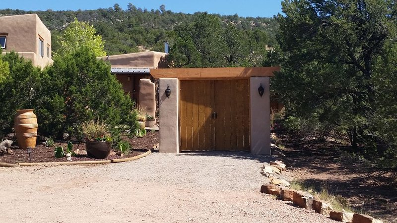 7th Nights Free!  $74-$245nt Adobe Canyon Retreat Mtn Views, casa vacanza a Pecos