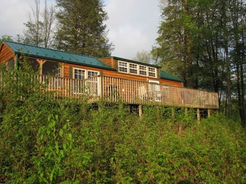 Rockabye Ridge Cabin in Damascus, Virginia, holiday rental in Glade Spring