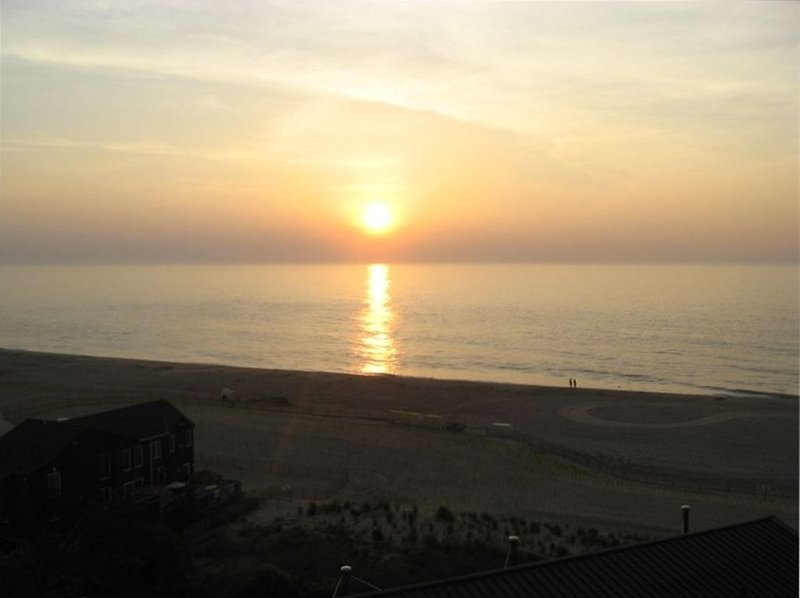 Oceanfront 2 BR, Newly Renovated, Spacious with Expansive Ocean View, holiday rental in Bethany Beach