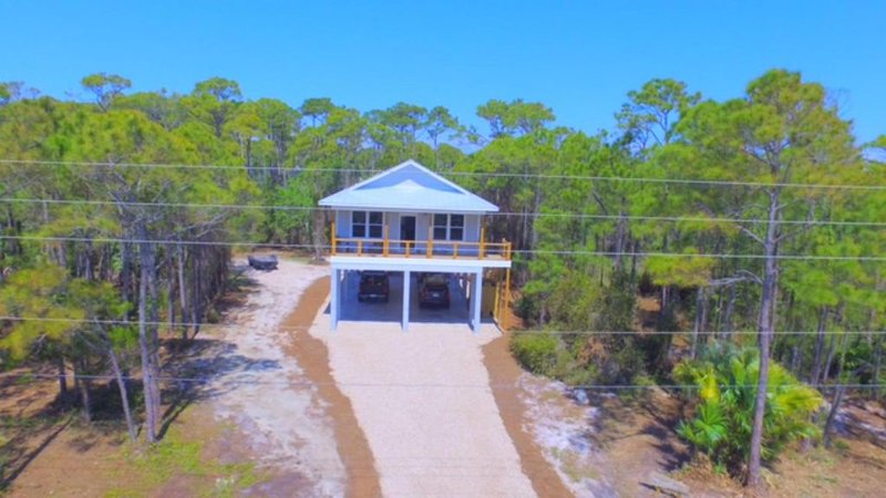 Family Friendly. Very Clean. Local Friendly Owners. Beautiful Gulf View., location de vacances à Eastpoint