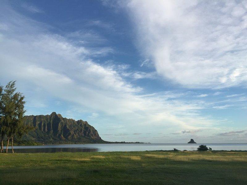 Journée épique dans la baie de Kaneohe, regardant vers le chapeau de Chinois