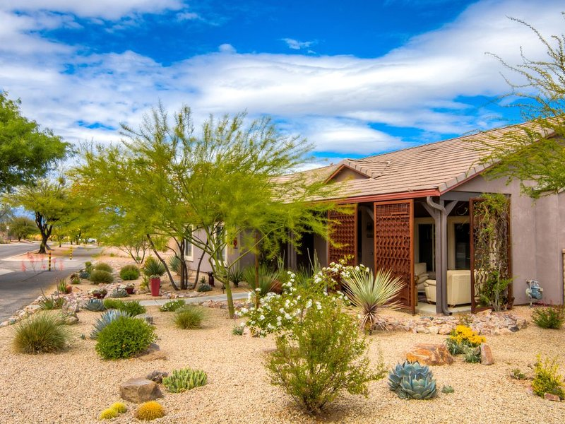 Civano  Home Near Saguaro National Park - March 2020 Availability!, alquiler de vacaciones en Tucson