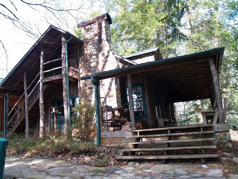Beautiful Lake Burton Compound - Pet Friendly, casa vacanza a Sautee Nacoochee