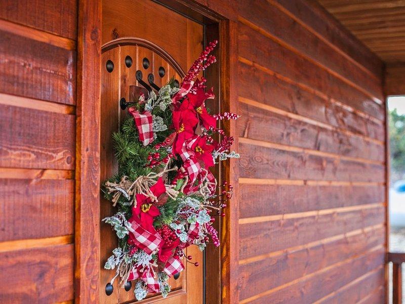 Hillbilly Hideout rustic elegance, hot tub, hammock , gourmet kitchen, location de vacances à Pickens