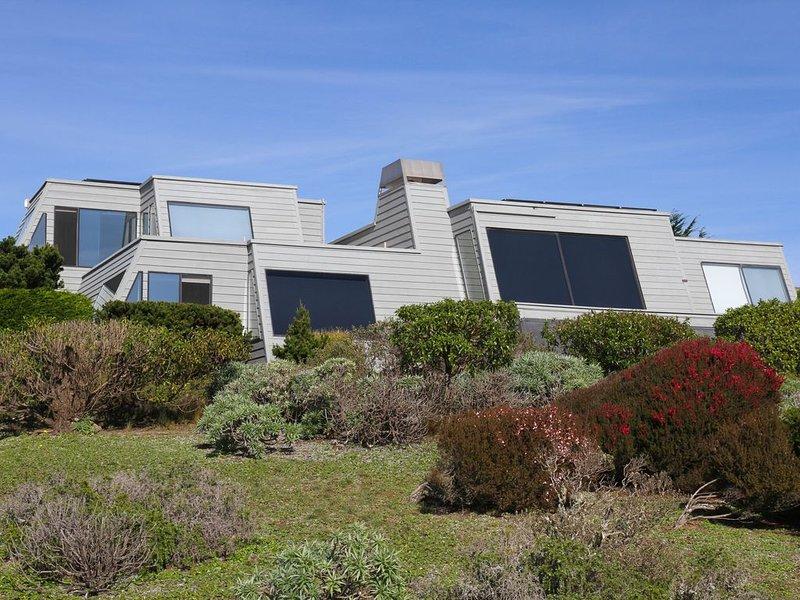 VIEWS, PRIVACY,  3D Theater, Spa, Billiard, Ping Pong, vacation rental in Bodega Bay