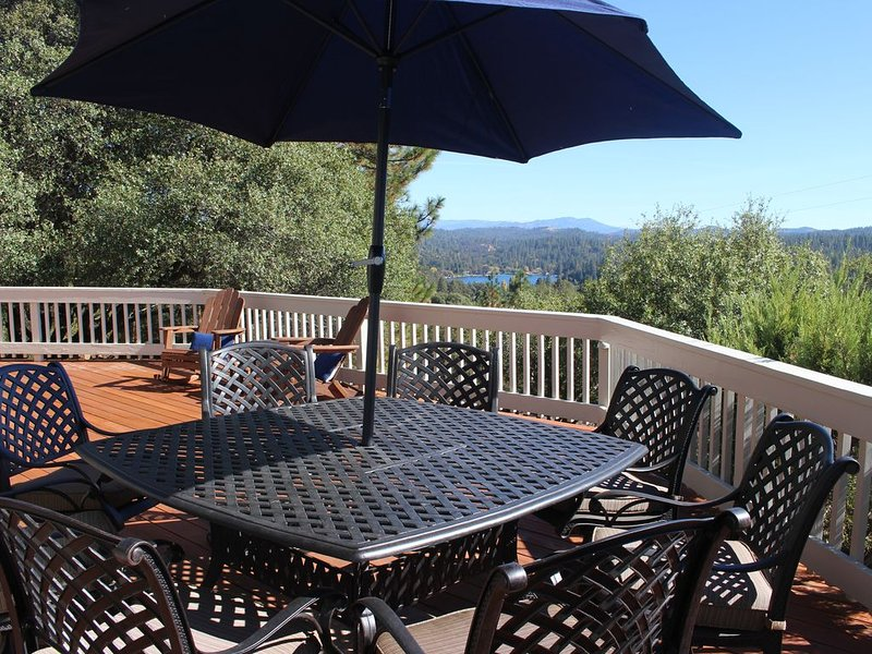 Yosemite  Hideaway ~ in Pine Mountain Lake ~  with Sierra Mountain Views!!, vacation rental in Groveland