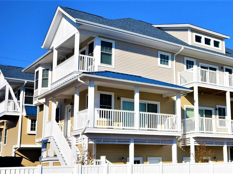 Sunburst Paradise:  Ocean View/Downtown/Boardwalk, Luxury TH with 2�Car Garage, alquiler de vacaciones en Ocean City