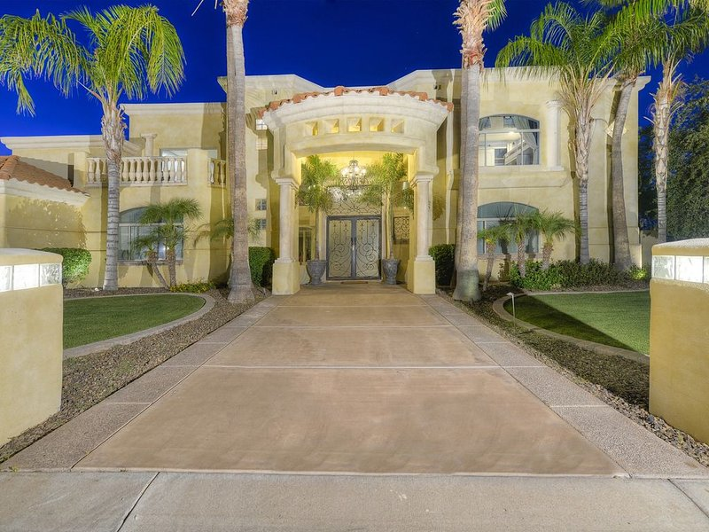 Night time view of the front of the mansion (Picture professionally taken)