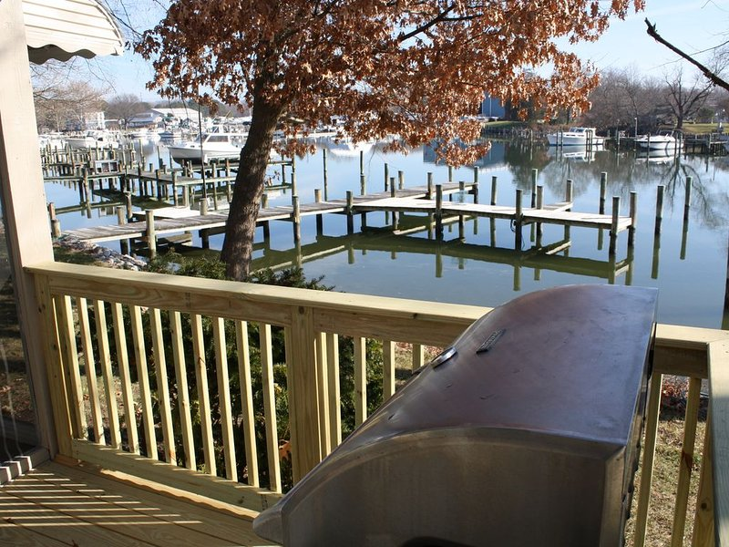 Rockhold Creek Cottage, Water Front, Vacation Home, Docks, holiday rental in Upper Marlboro