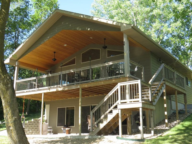 Pickeral Lake SD Cabin For Rent, Grenville SD, holiday rental in Grenville