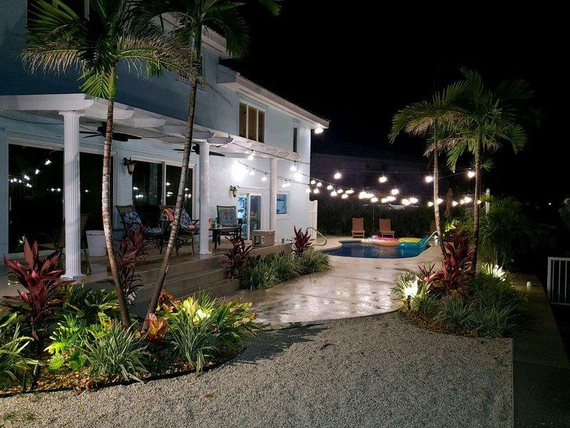 Panaramic Views in this Spacious 4 Bedroom Home, Large In ground pool, Sleeps 10, holiday rental in Key Colony Beach