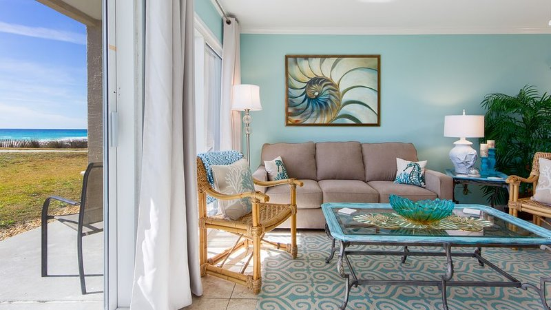 Ask about a low monthly rate for DEC!!  GULF FRONT~~FIRST FLOOR UNIT!!!, vacation rental in Destin