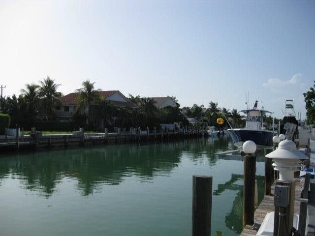 Casa Nautica *KCB•OPEN 2 wks Jan 2021•TikiHut•Screened Outdoor Lanai•Cabana Club, holiday rental in Key Colony Beach